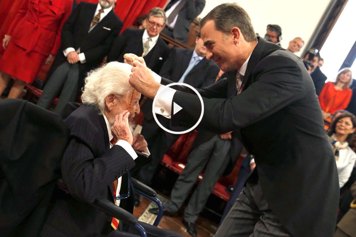 El Rey entrega el premio Cervantes a Fernando del Paso (Foto: Efe).