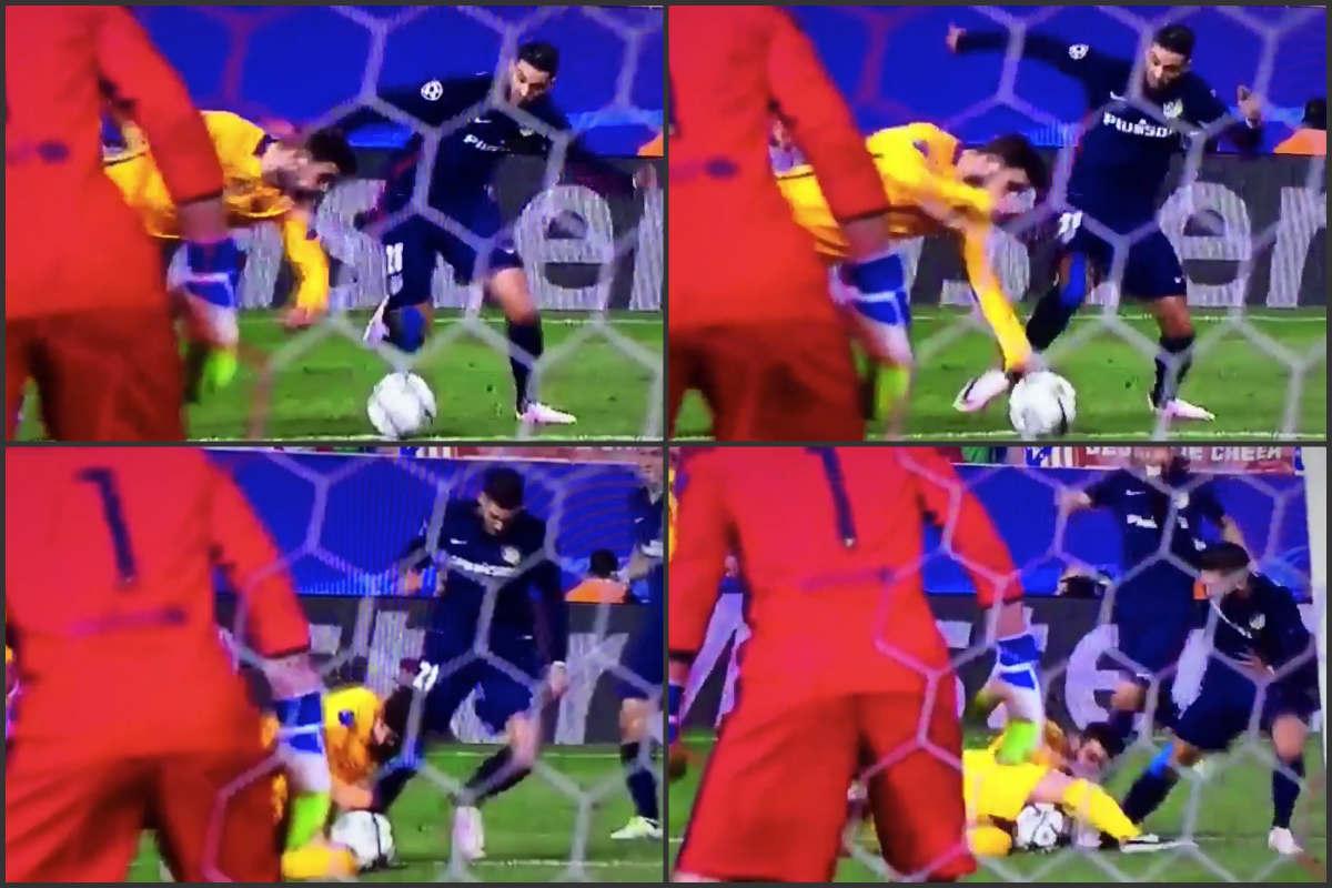 ¿Hubo penalti de Piqué?