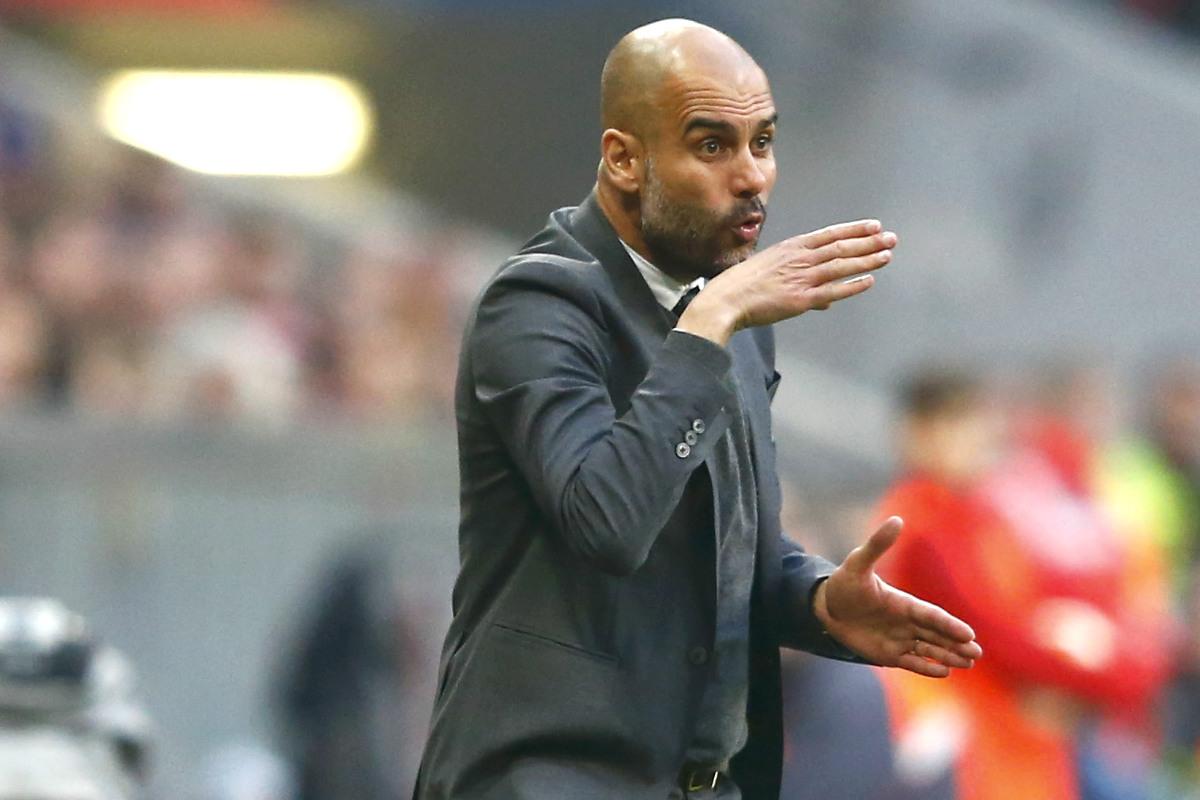 Pep Guardiola dando indicaciones durante un partido con el Bayern. (Reuters)