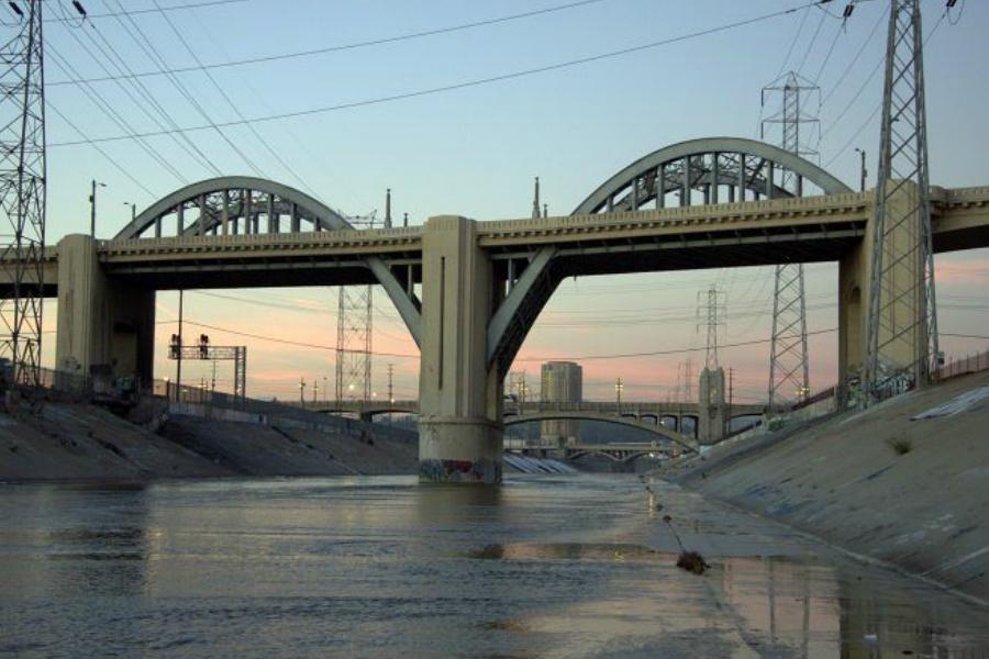 El emblemático puente de Los Ángeles, protagonista y espectador de tantas historias míticas de Hollywood. (Foto: Getty)