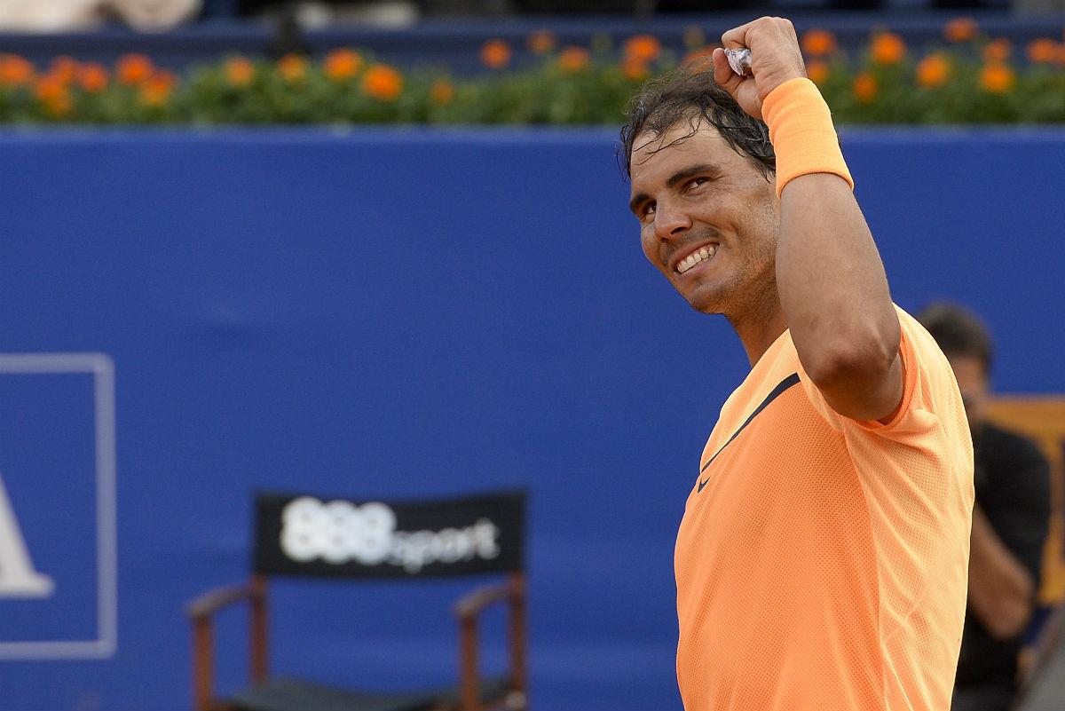 Rafa Nadal celebra el triunfo ante Kohlschreiber. (AFP)