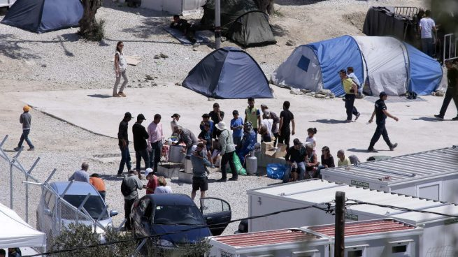 Los primeros 87 refugiados que acogerá España tras el acuerdo esperan a que Grecia de luz verde al traslado