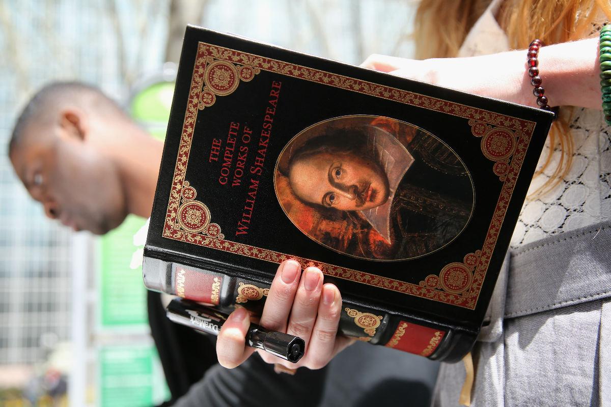 Una compilación moderna de las obras del escritor inglés Shakespeare. (Foto: Getty)
