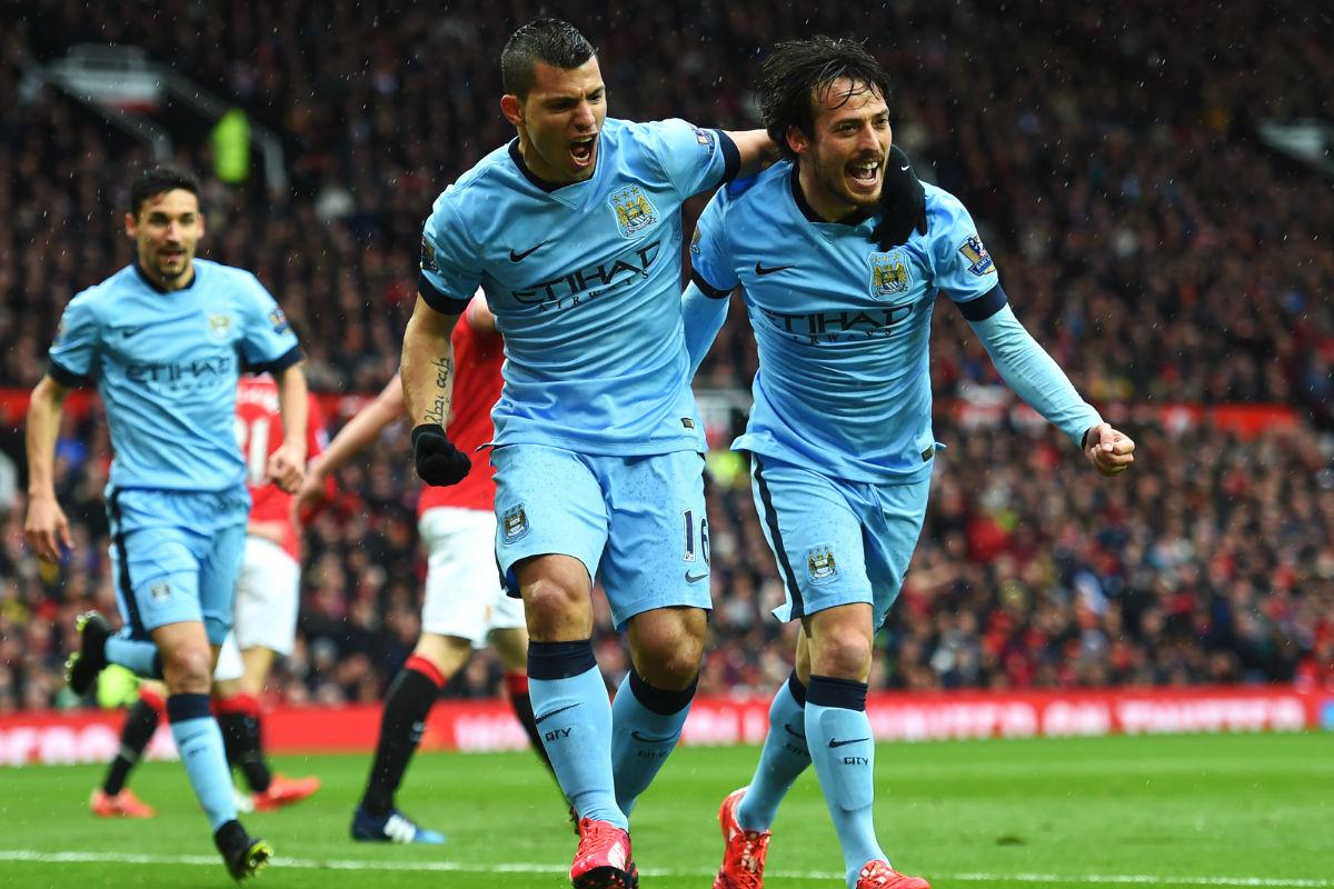 Silva y Agüero celebran un gol del canario con Jesús Navas detrás. (Getty)