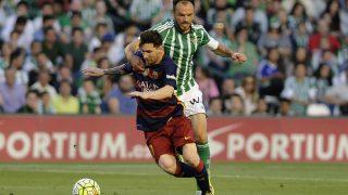 Westermann fue expulsado contra el Barcelona. (AFP)