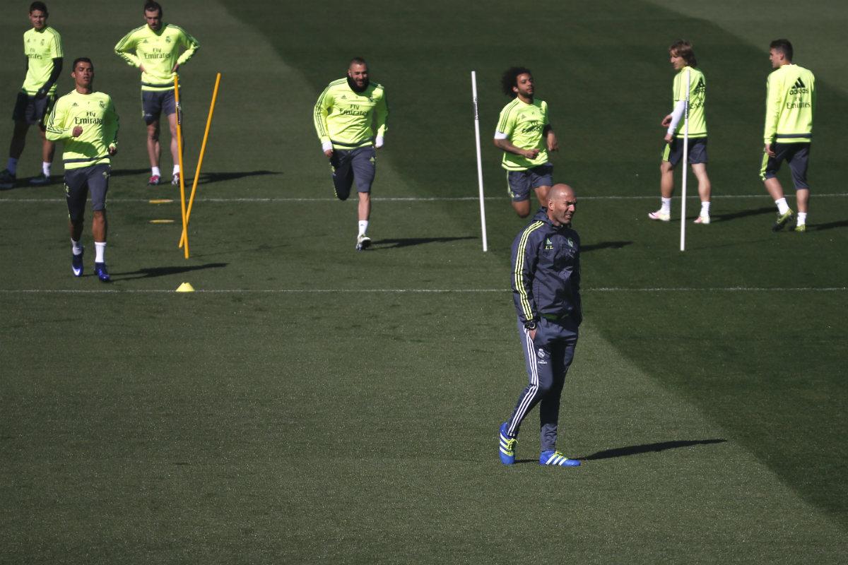 Zidane, en un entrenamiento en Valdebebas (Reuters)