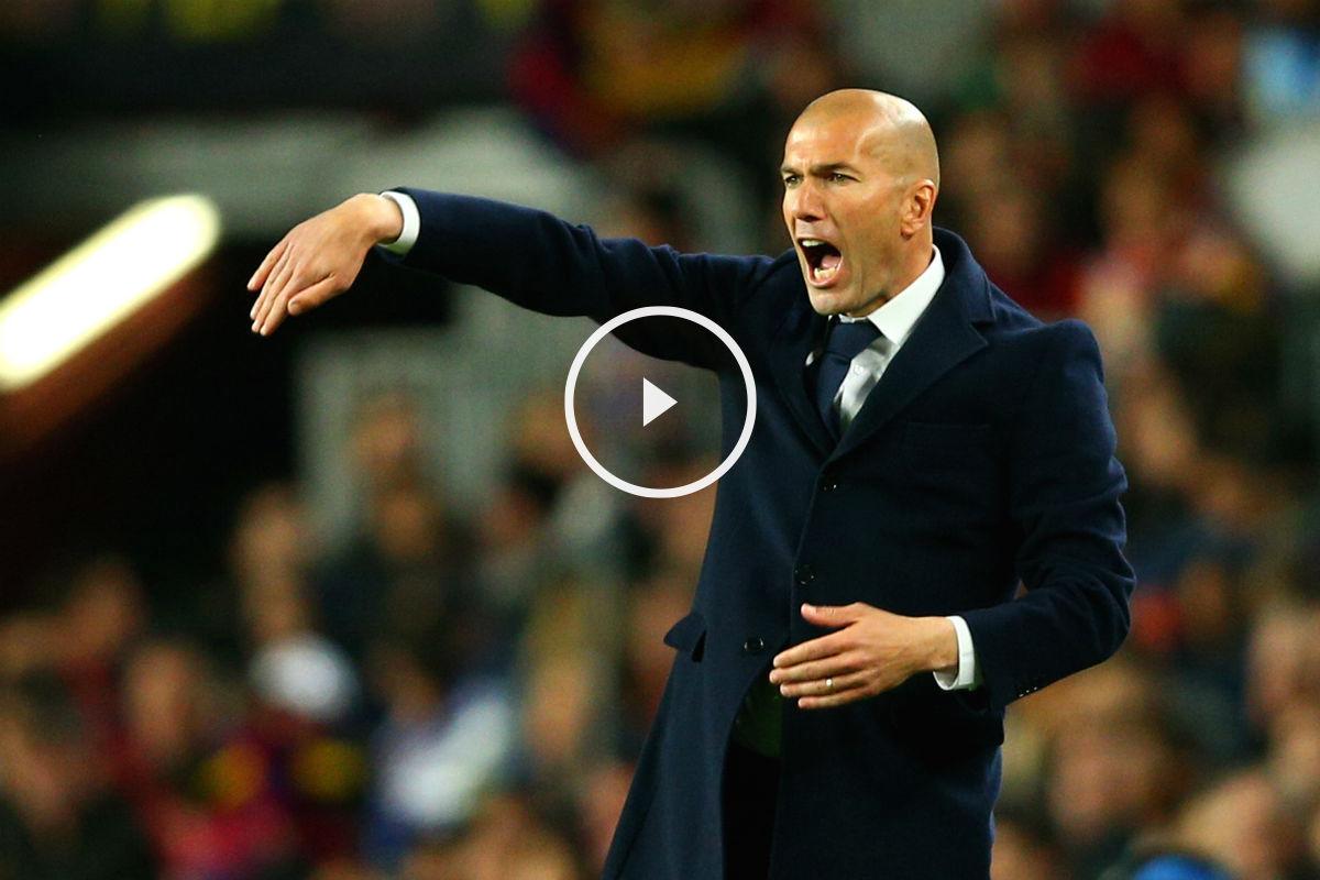 Zinedine Zidane da órdenes a sus jugadores en el Clásico. (Getty)