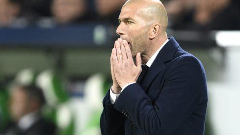 Zinedine Zidane, en el partido ante el Wolfsburgo. (Reuters)