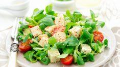 Receta de Ensalada de tofu, canónigos y nueces