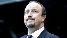 Rafa Benítez, en el banquillo del Newcastle. (AFP)