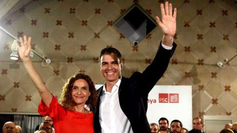 Meritxell Batet y Pedro Sánchez. (Foto: EFE)