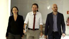 Carolina Bescansa, Pablo Iglesias y Nacho Álvarez (Foto: EFE).