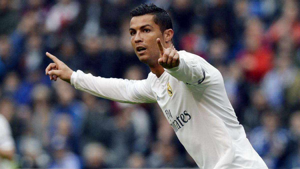 Cristiano Ronaldo celebra el primer gol contra el Deportivo. (AFP)