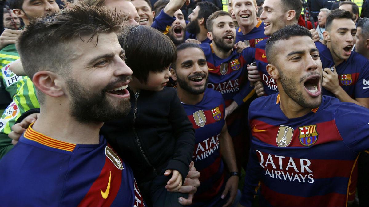 Piqué, en la celebración del Barça. (Reuters)