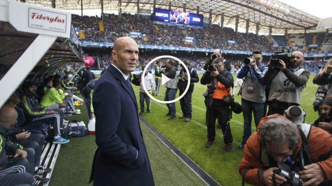 Zidane, antes de comenzar el partido en Riazor. (EFE)