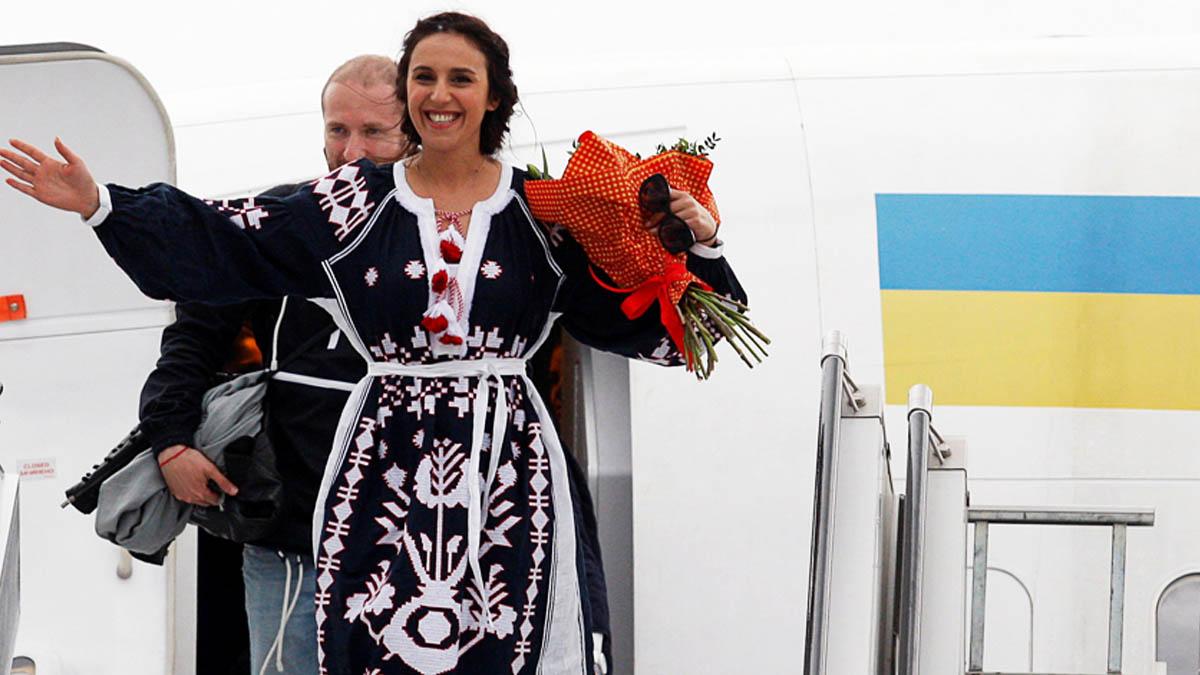 La ganadora de Eurovision Jamala a su llegada a Ucrania (Foto: Reuters)