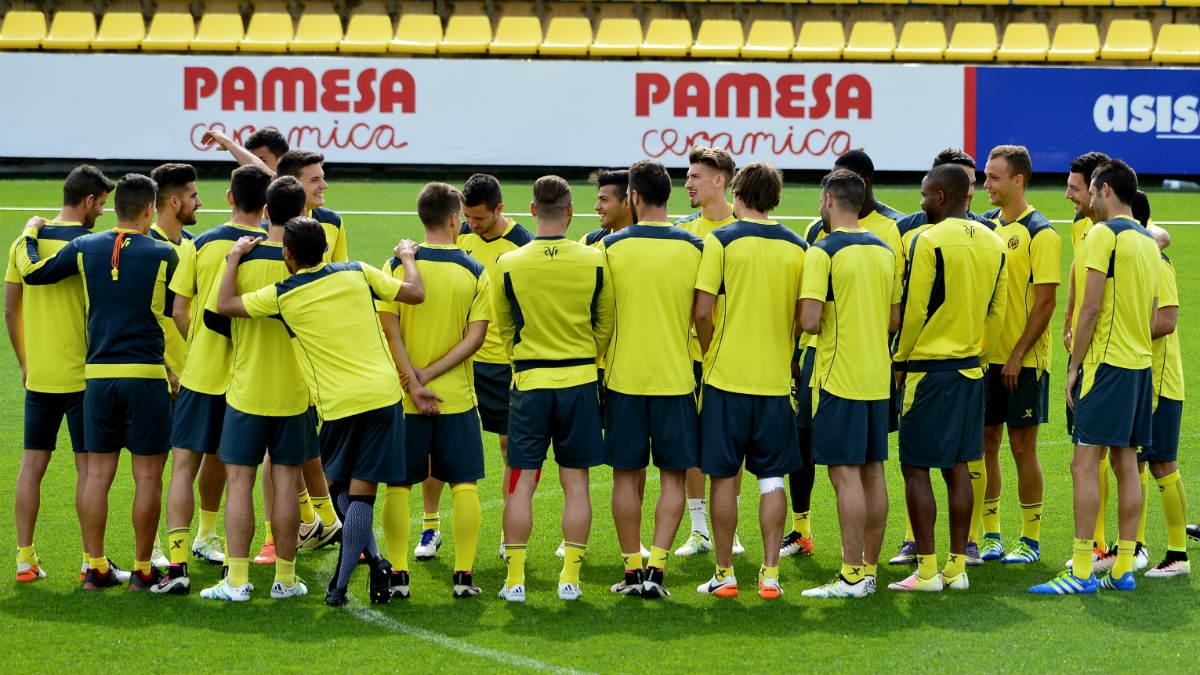 La jugadores del Villarreal, en un entrenamiento. (AFP)