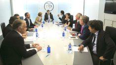 Comité de dirección del PP, presidido por Mariano Rajoy. (Foto: EFE)
