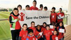 Cristiano Ronaldo es embajador de la ONG Save the children.