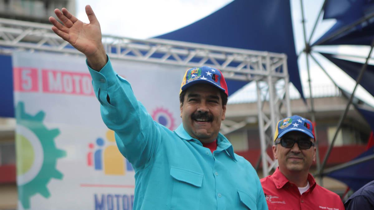 Nicolás Maduro durante un encuentro con seguidores en Caracas (Foto: Reuters)