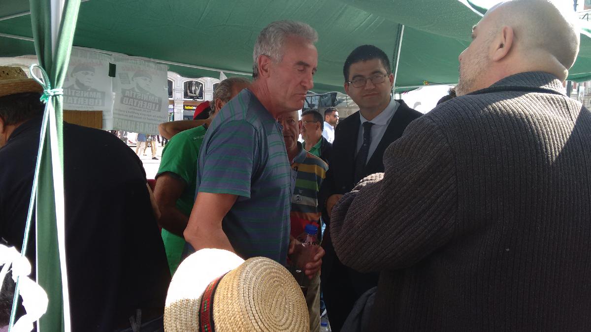 Sánchez Mato, concejal de economía de Carmena, el último en mostrar su apoyo en Sol. (Foto: OKDIARIO)