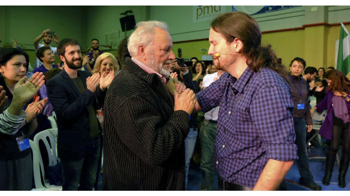 Julio Anguita y Pablo Iglesias. (Foto:EFE)
