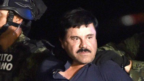 Joaquín 'El Chapo' Guzmán al ser detenido en enero de 2016. (Foto: AFP)