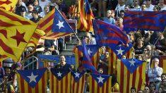 Esteladas en el Camp Nou. Foto: AFP