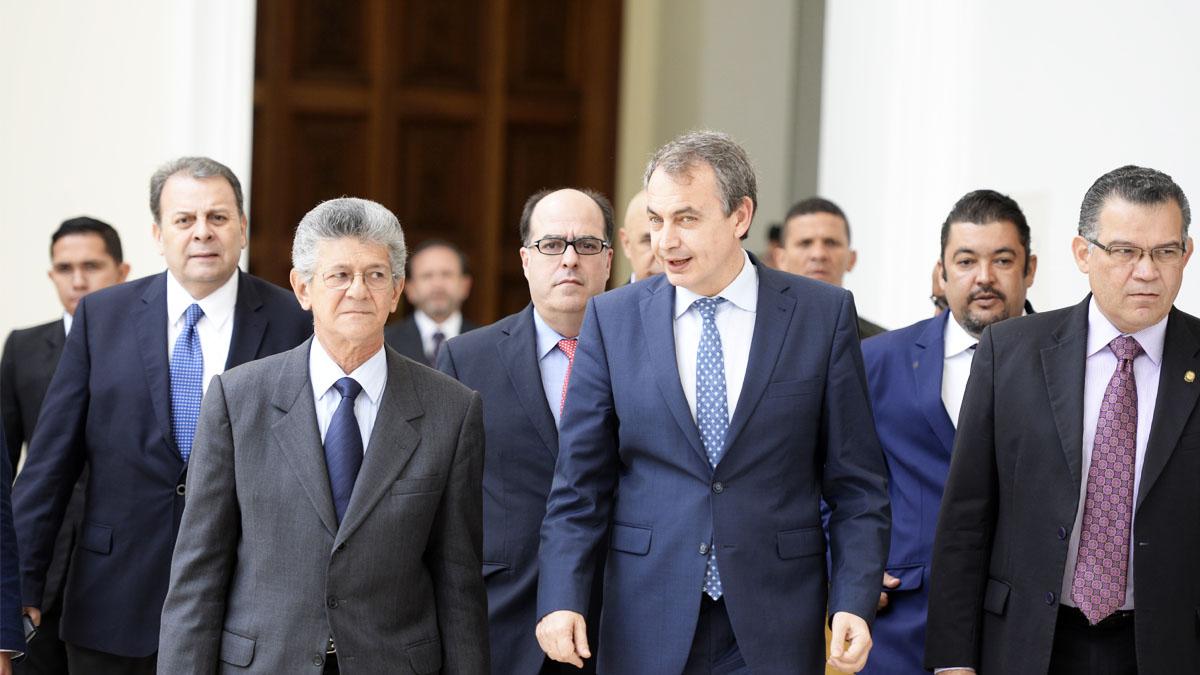 El ex presidente José Luis Rodríguez Zapatero estuvo esta semana visitando al gobierno y la oposición en Venezuela (Foto: AFO)