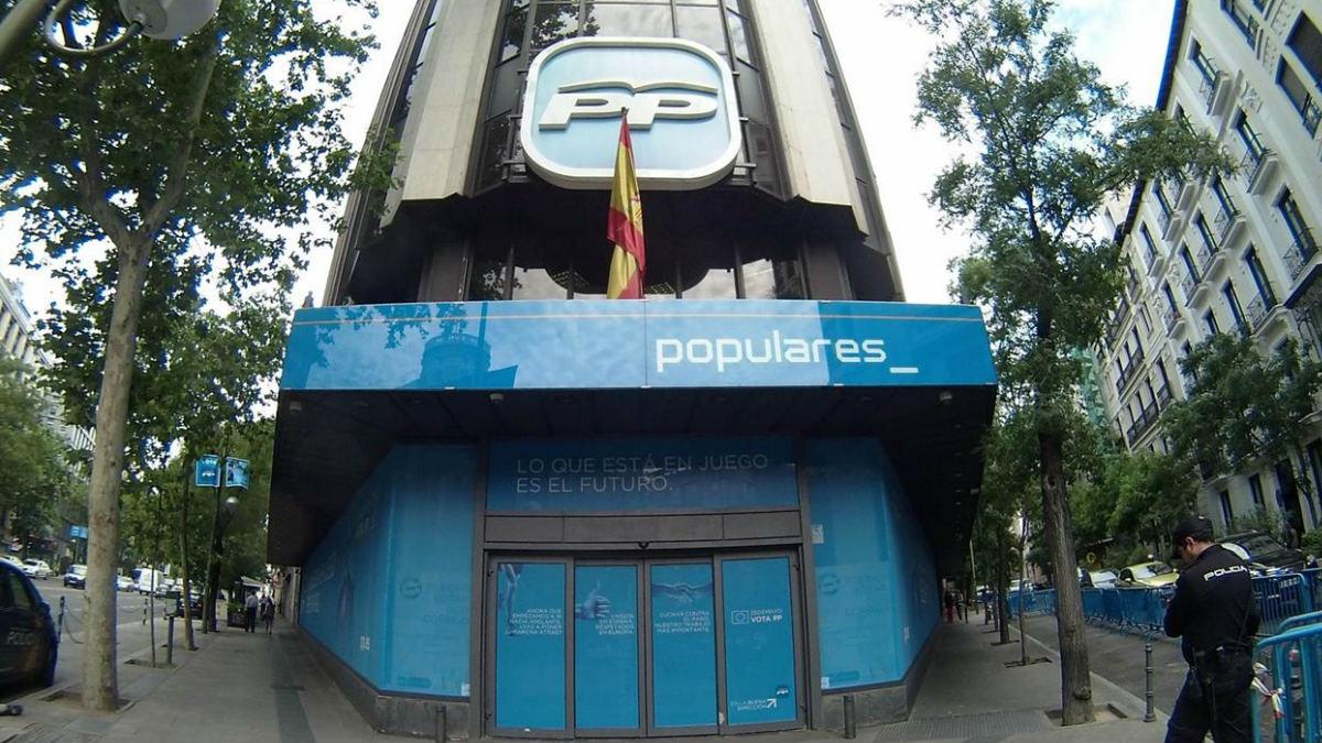 Fachada de la sede nacional del PP.