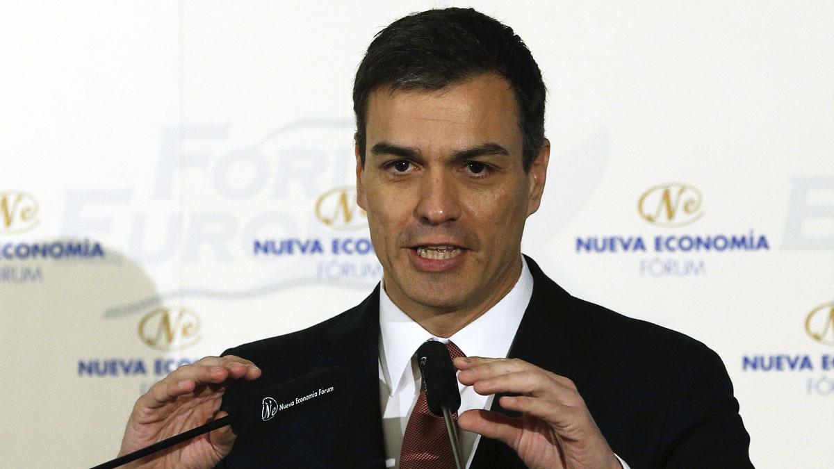 Pedro Sánchez en el Nueva Economía Fórum. (Foto: AFP)