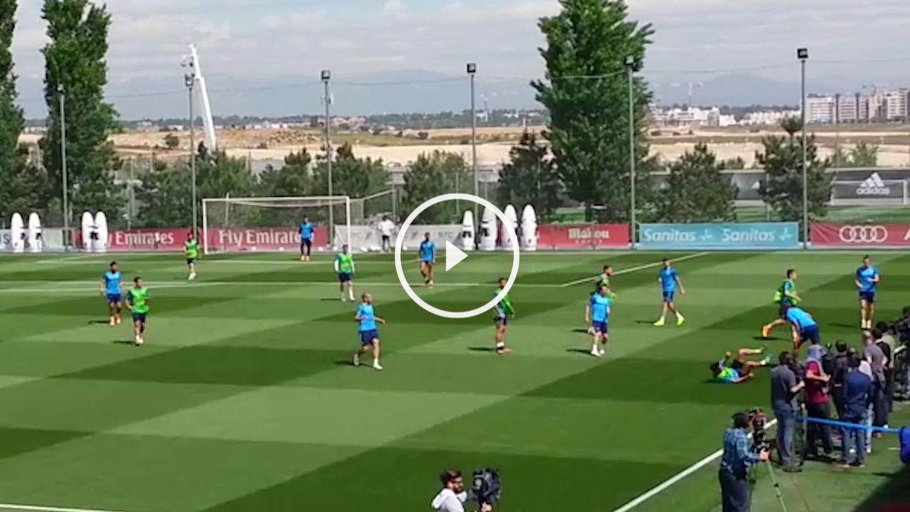 Danilo y Arbeloa chocaron en el entrenamiento.