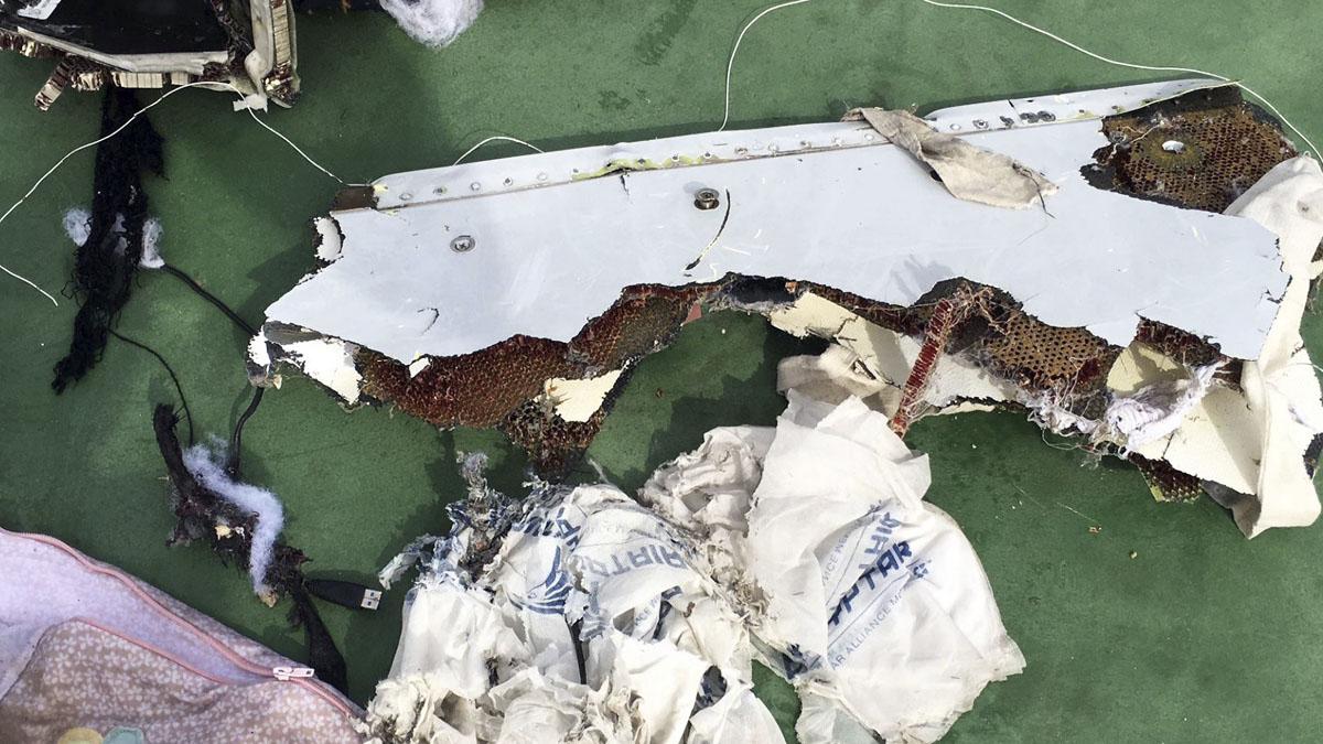 Restos del avión de EgyptAir siniestrado. (Foto: AFP)