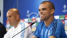 Pepe, junto a Zidane, en el Open Media Day. (EFE)