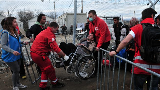 Los 27 refugiados que llegan este miércoles a España se instalarán en San Sebastián, Tarragona y Madrid