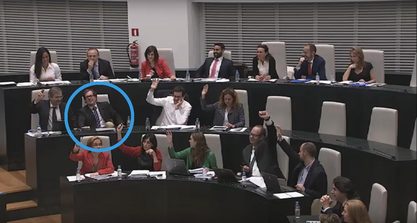 Un edil del PSOE no ha votado en contra a la enmienda a la totalidad del PP.