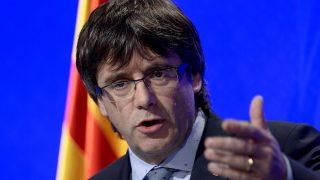 Carles Puigdemont venderá referendum ilegal 1-= en chat independentista. (Foto: AFP)