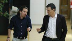Pablo Iglesias y Pedro Sánchez en el Congreso. (Foto: EFE)