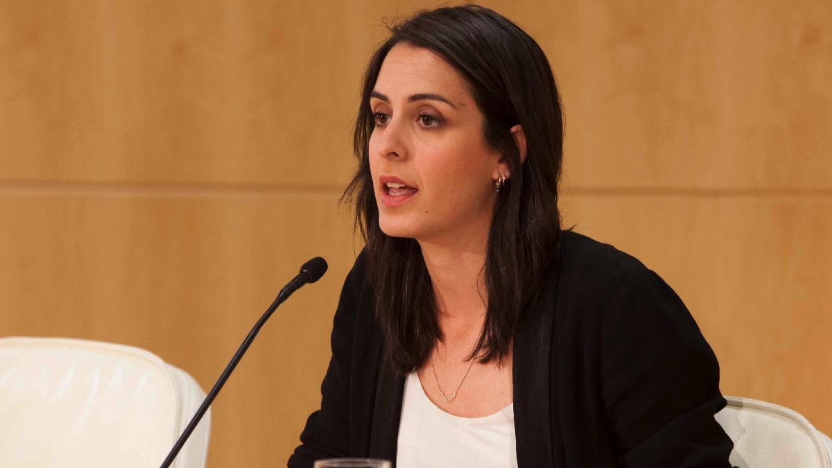 Rita Maestre ante la prensa en el Palacio de Cibeles. (Foto: Madrid)