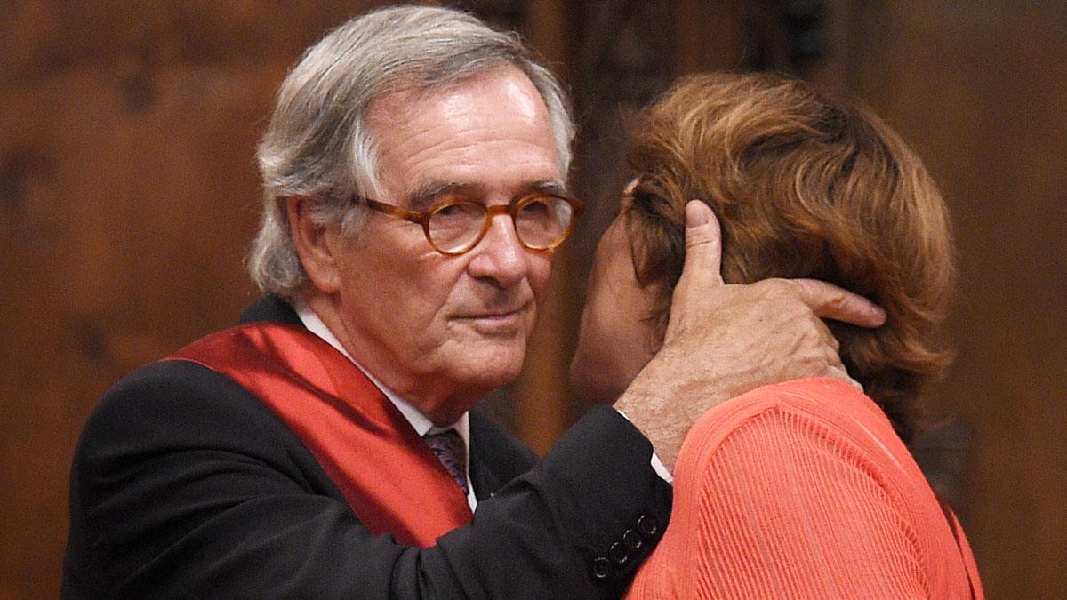 Xavier Trias felicita a Ada Colau el día que toma el poder. (Foto: AFP)