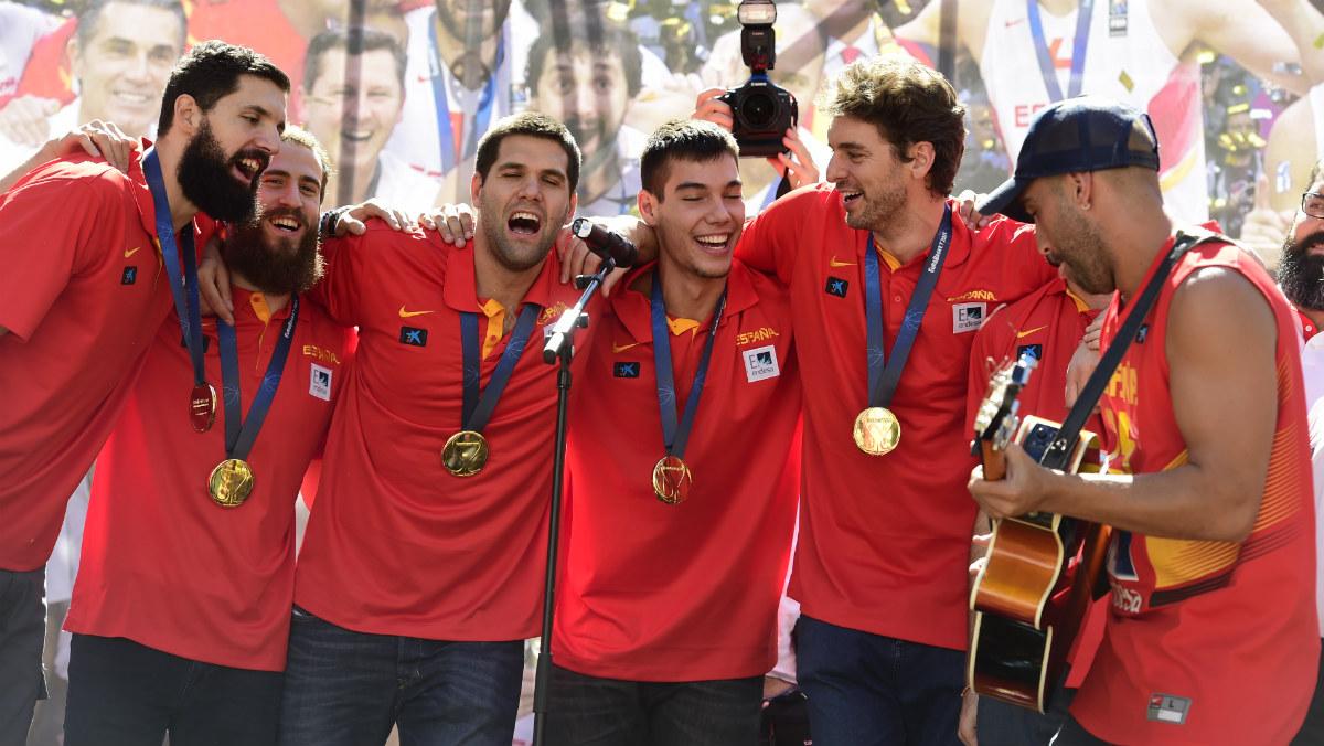 La selección española celebra que la FIBA se retracte. (AFP)