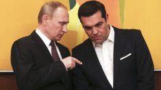 Vladimir Putin junto a Alexis Tsipras en Grecia (Foto: Reuters)