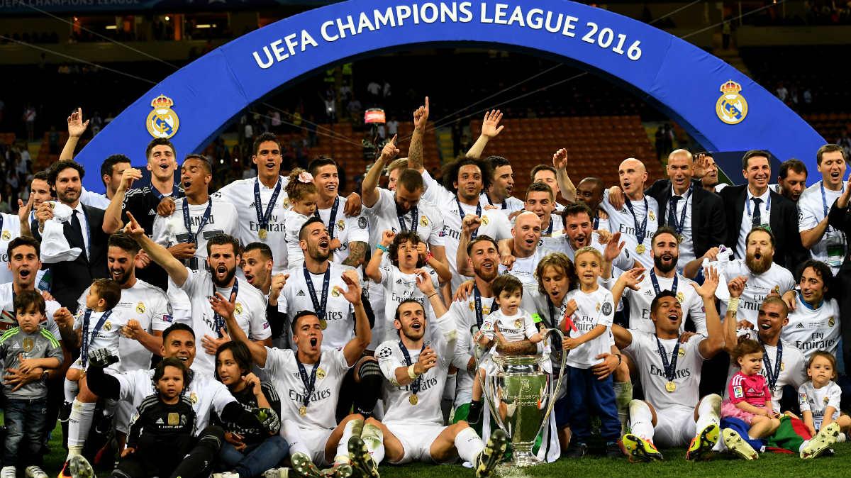 El Real Madrid celebra sobre el césped la Undécima. (Getty)