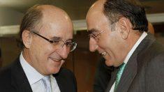 Los presidentes de Repsol YPF, Antonio Brufau (d), y de Iberdrola, Ignacio Sánchez Galán, podrían ser los siguientes en salir. (Foto: EFE)