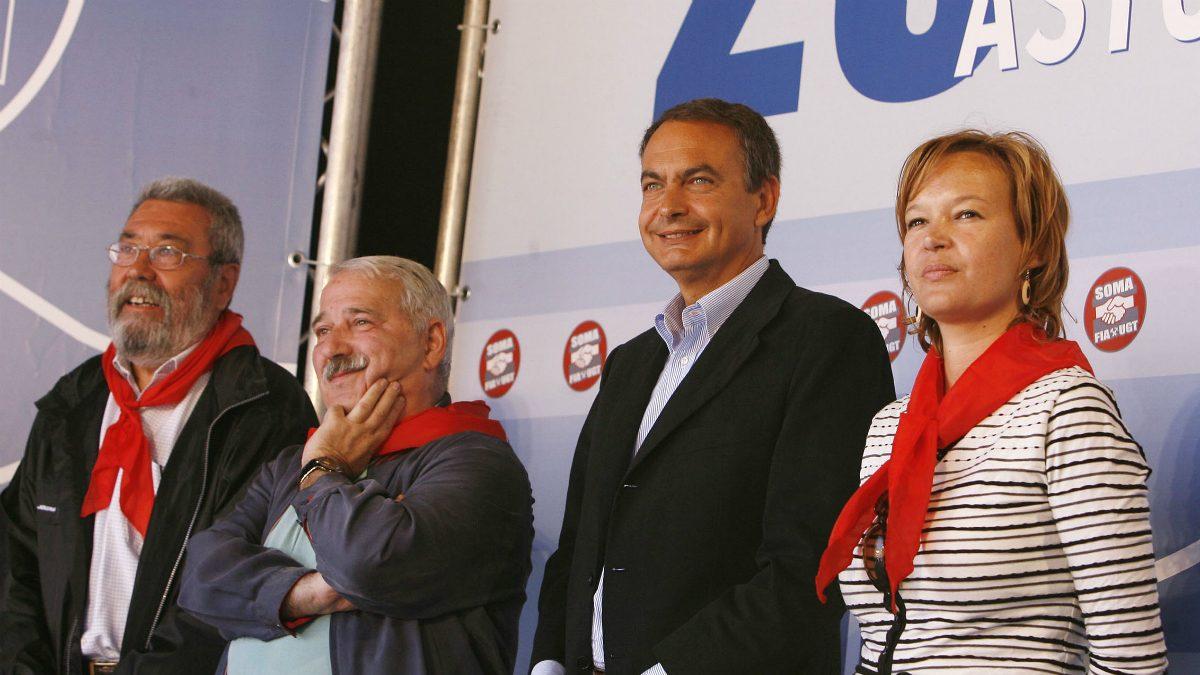 La ex ministra Leire Pajín junto a José Luis Rodríguez Zapatero (Foto: PSOE)