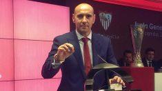 Monchi, en una rueda de prensa con el Sevilla.