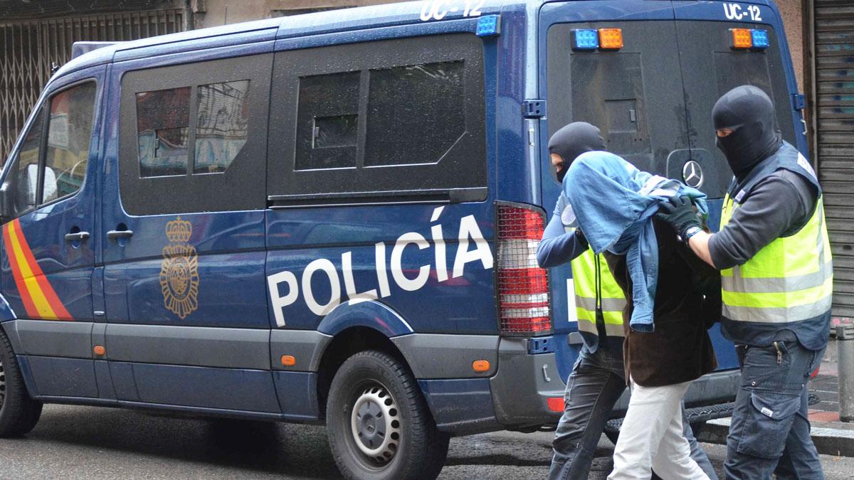 La Policía Nacional detiene a un sospechoso de integración en grupo terrorista en Madrid. (Foto: Getty)