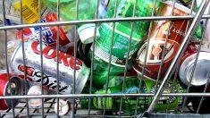 Envases de plástico y vidrio (Foto: GETTY).