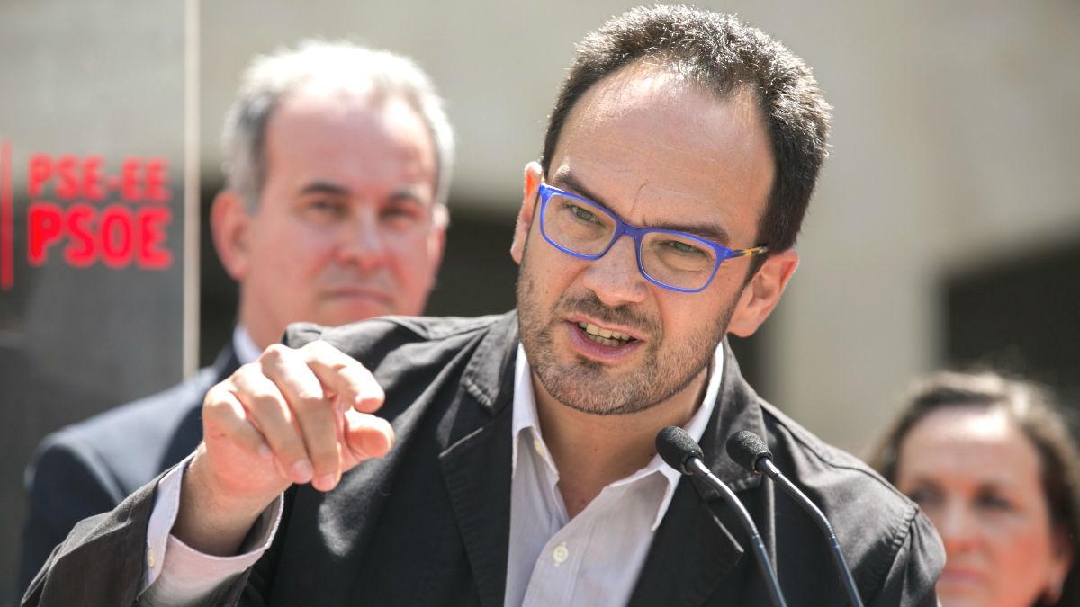 El coordinador del Comité Electoral del PSOE, Antonio Hernando. (Foto: EFE)