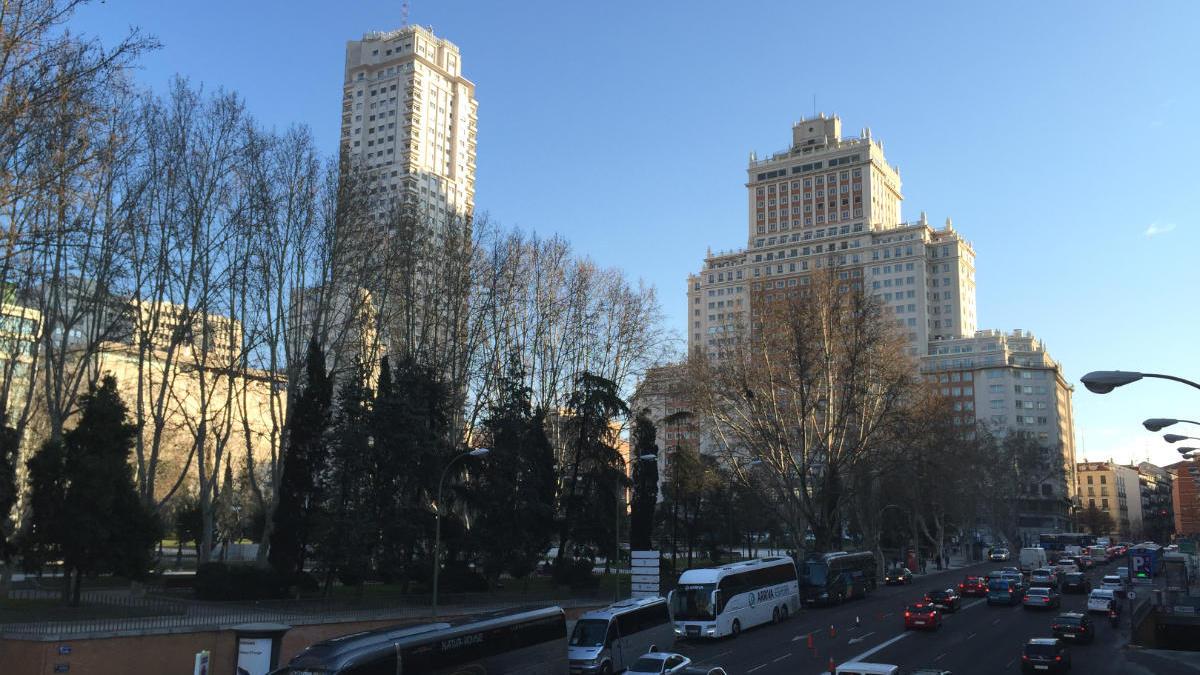 Torre de Madrid y Edificio España (Foto: A.J. CHINCHETRU).